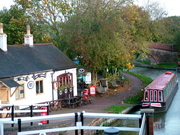 Bridge 61 pub at Foxton Locks
