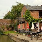 Narrowboat holiday pub stop at Crick